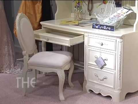 Bedroom Set With Queen Panel Bed From U0027Jessica McClintock   The Romance  Collectionu0027 By Lea   YouTube