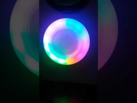 UFO 90mm RGB flashes in cycle with 60mm round push button