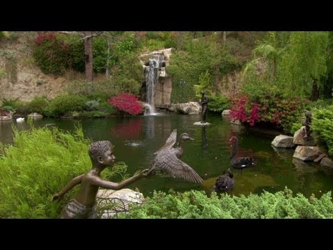 Hollywood home has its own fishing lake