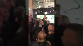 Tuča ispred galerije