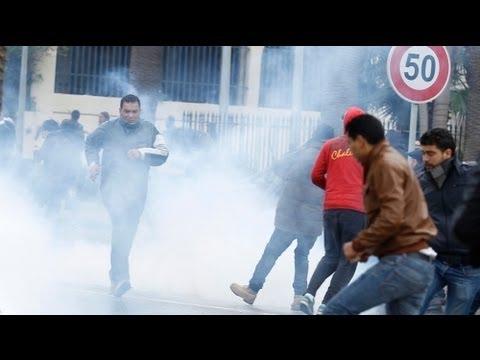 Tunisia: premier scioglie Governo