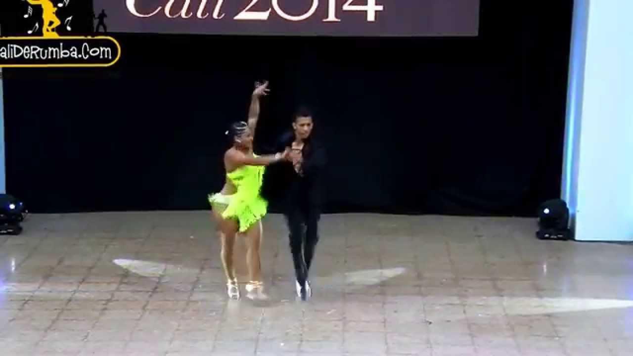 Emely Rodriguez y Cesar Millan