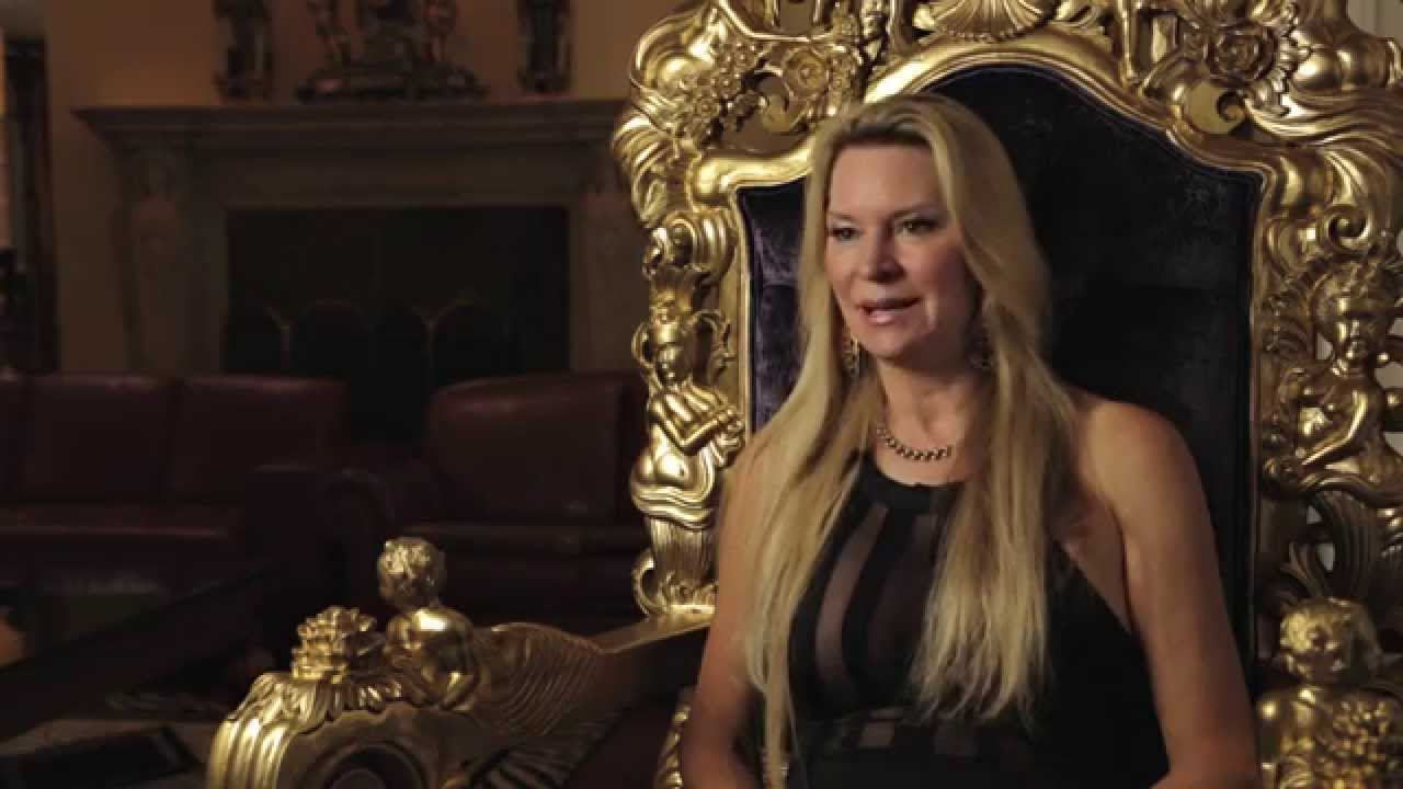 The Queen of Versailles - Palace Tour & Interview - YouTube