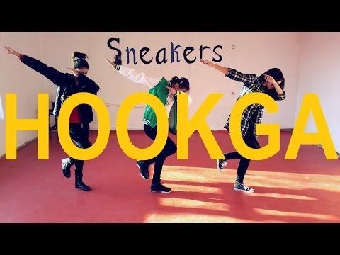 Sneakers Dance Group