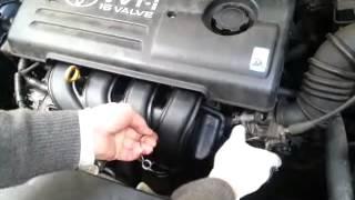 Toyota Corolla 1.6 1.8 motor так называемый стук коллектора!(похож звук на распредвал! не путайте чтобы сэкономить сверлим дырки где показано и закручиваем саморезы..., 2013-10-17T21:35:34.000Z)