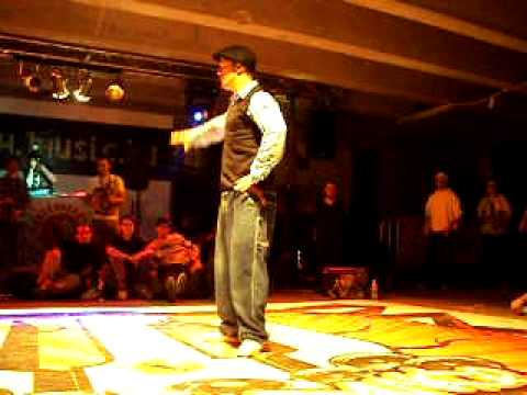Finals Popping - URBAN DANCE Funk Stylez Session 20.11.2010 Budapest, Hungary