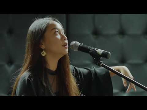 Gloria Jessica - Dia Tak Cinta Kamu [Kongkow Bareng]