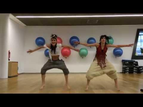 Martina Ausova Zumba – afro Kukere Iyanya version 2