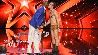 Raul macht Handstand vor und auf Bruce   Das Supertalent 2017   Sendung vom 07.10.2017