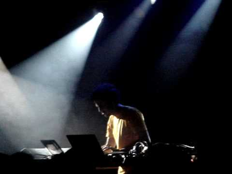 Four Tet (Live) - A Joy