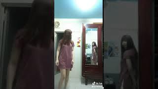em gái xinh, đùi to, lốp căng, chân trắng, nuột nà, dâm đãng 12