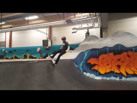 40 year olds roadtrip to indoor skate park - Got a bit scary...