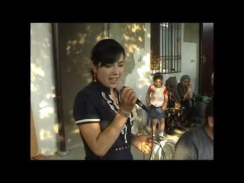 Поёт Худецанка