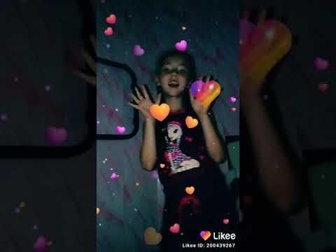 Карина Марченко танцует