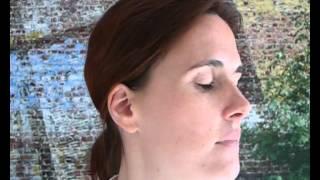Exercices de kinésithérapie vestibulaire - étape 1 - Debout, les yeux fermés