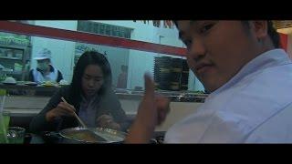 Hmong Mekas mus noj Buffet nyob rau hauv Vientiane, Laos