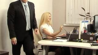 Prykoli.  В офисе.  Перевоплощение секретарши.  Смотреть обязательно