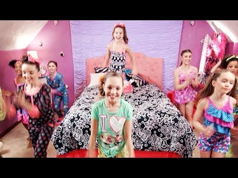 Mack Z | It's a Girl Party! | Official Music Video ...