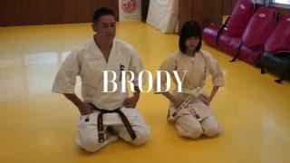 BRODY 10月号から欅坂46 平手友梨奈さんと長濱ねるさんが交互に登場する...