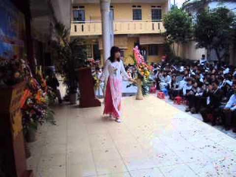 Múa Gặp Mẹ Trong Mơ - 12a3 Lê Văn Thiêm