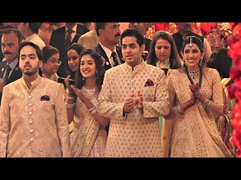 Akash Ambani, Shloka Mehta, Anant Ambani, Radhika Merchant At Isha Ambani Wedding