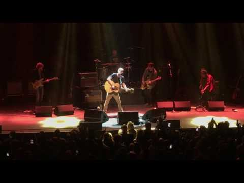 Richard Ashcroft - Lucky Man (Live at Terminal 5, NYC, 3/27/17)