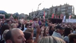 Niels Destadsbader bij Vlaanderen Muziekland - Helemaal weg van jou