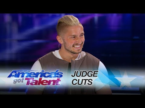 Thumbnail: Tom London: Tech Savvy Magician Goes Around The World With Magic Trick - America's Got Talent 2017