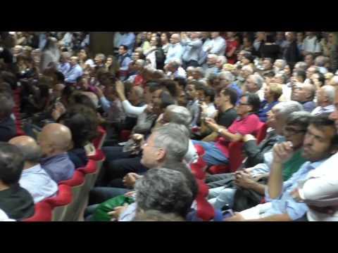 Matteo Renzi a Trapani, il comizio e la contestazione