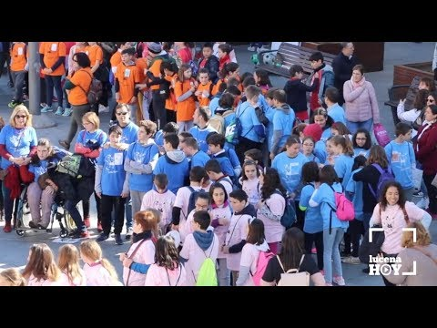 VÍDEO: Los escolares de Lucena celebran el Día de la Paz con una multitudinaria gymkana en la Plaza Nueva