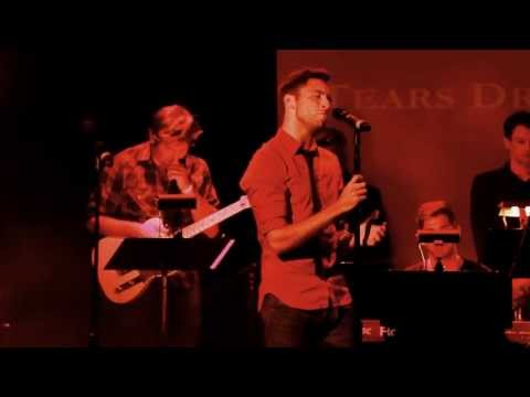 """Corey Mach- """"Tears Dry On Their Own"""" at Broadway Sings Amy Winehouse"""