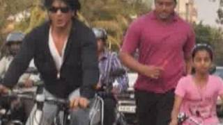 Shahrukh Khan rides a bicycle on Carter road