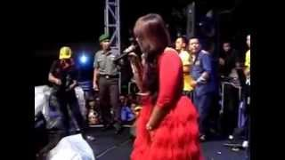 Edan Turun New Pallapa Live Made Surabaya 2014.mp3
