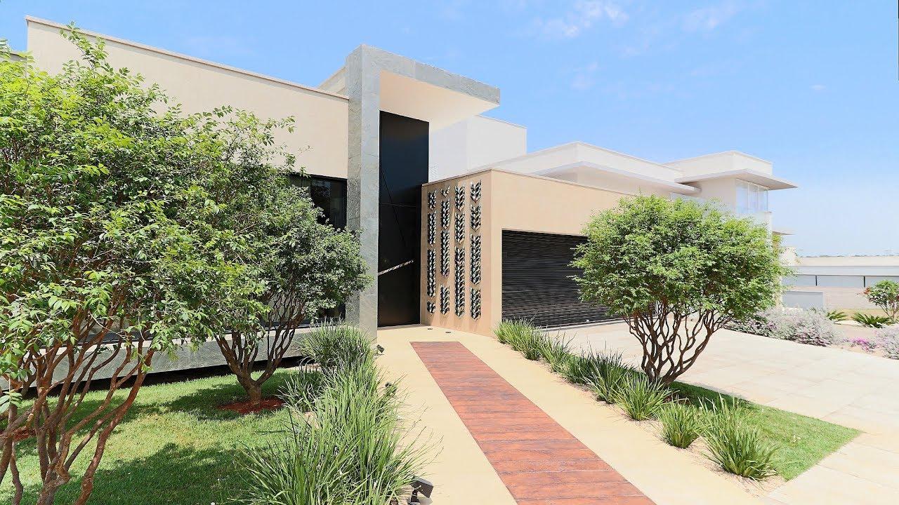 Casa de luxo arquitetura moderna no condom nio jardins for Casa moderna zurigo