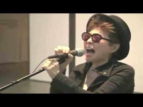 YOKO ONO SINGS ADELE'S SOMEONE LIKE YOU  ( KARAOKE NIGHT)
