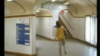 Les amants du Pont-Neuf. Secuencia del cello, metro.