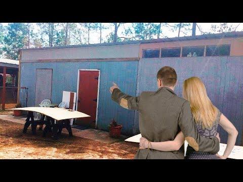 Видео: Жители побережья Смеялись когда Супруги купили Старый Сарай! Пока не увидели их Новый Дом!