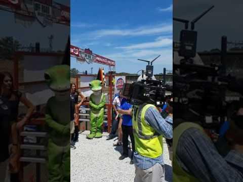 Lucas Oil Speedway Off Road Shootout National Anthem 7-23-17