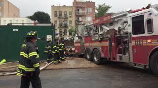 布碌崙日落公園華人社區的建築工地發生牆體坍塌事故,造成五傷一死 thumbnail