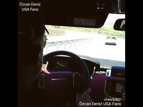 Özcan Deniz driving/conduciendo + 'Ayrıntılarda Gizli' song
