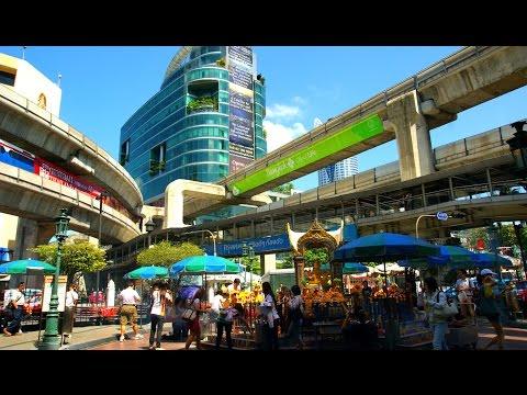 Bangkok Skywalk 2017 - Walking from Central World to Siam
