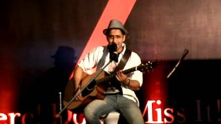 Aditya Jassi- Retro songs medley. Live at Oberoi Mall, Goregaon, Mumbai