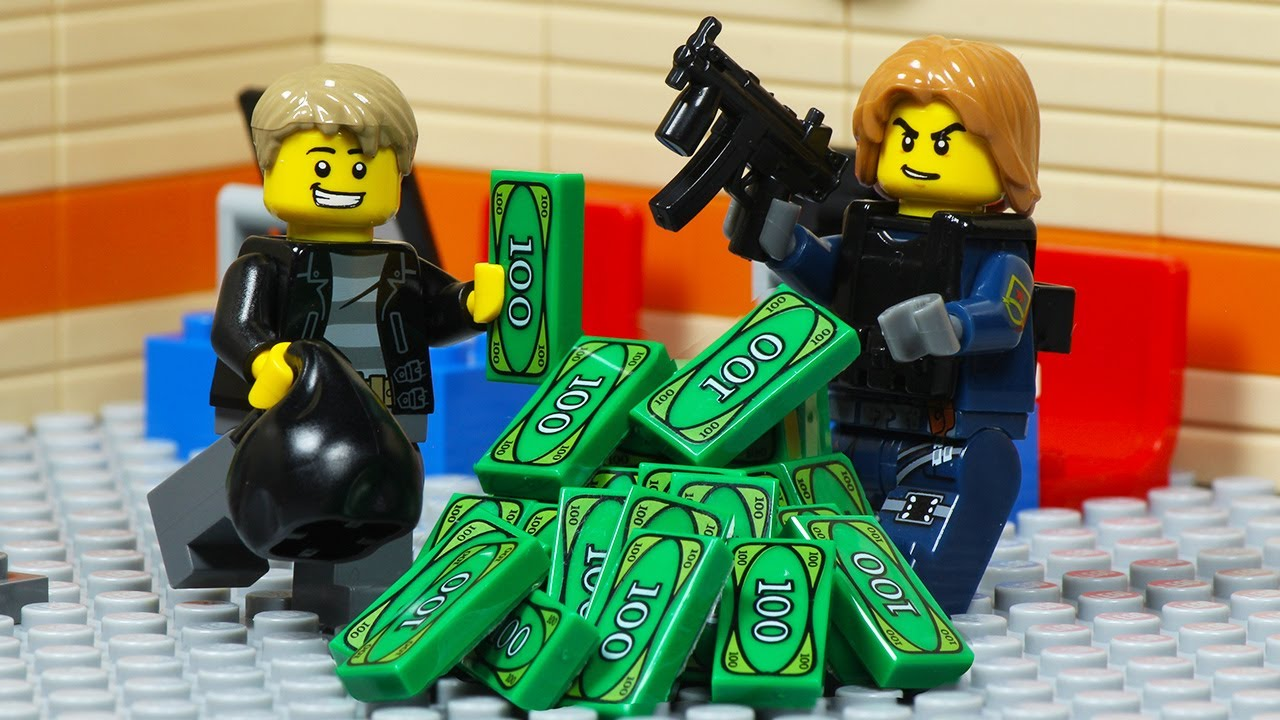 Lego City SWAT Bank Robbery - Thieves Escape by Truck