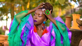 Download Kansiime Anne Comedy - The Queens that fix my Crown. My glass of happiness. Kansiime Anne