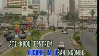 Download lagu Koes Plus Ojo Podo Nelongso MP3