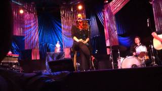 Repeat youtube video Alanis Morissette - Ironic (Live @ Agape, Culver City, CA, 8/7/2010)