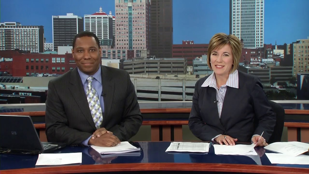 WDRB News at 4 Open and First Weather - 5/17/2011