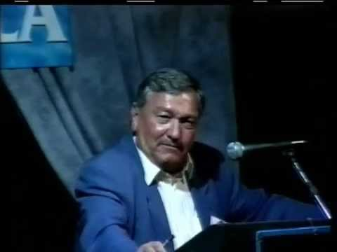 Erich Von Daniken (05-19-99) Chariots of the Gods