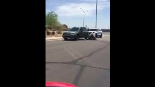 RAW VIDEO: Citizens help AZDPS trooper take a combative subject into custody
