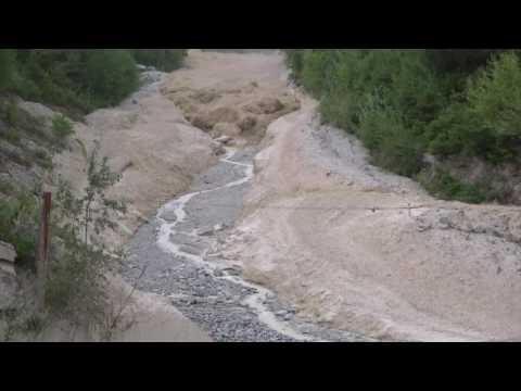 Amazing Footage of Debris Flow in Illgraben